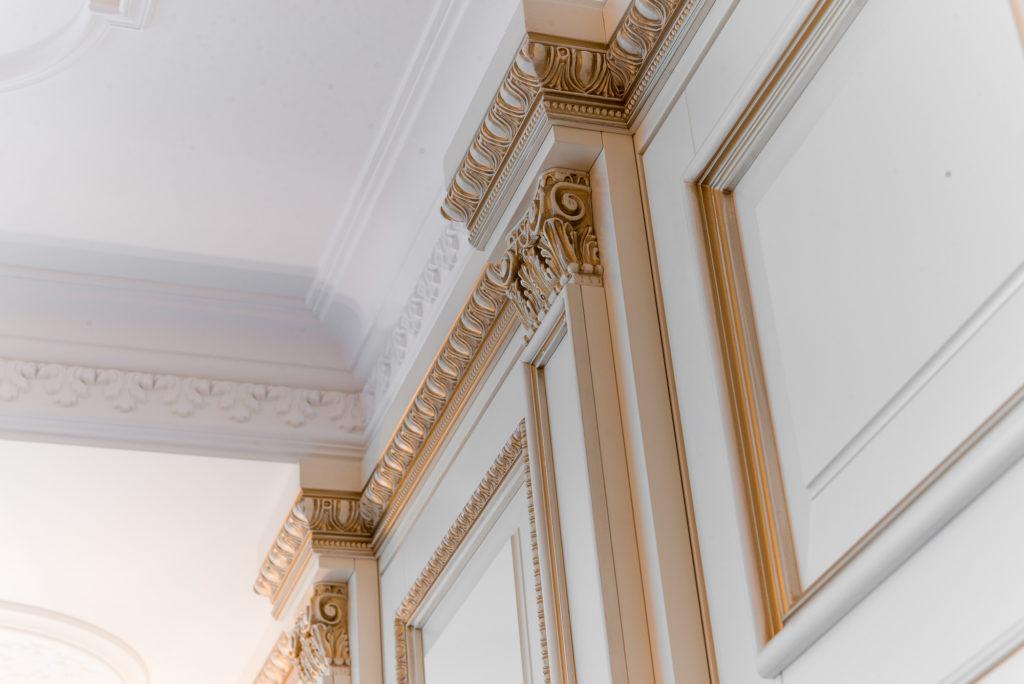 Как выбрать потолочный плинтус в зависимости от стиля помещения