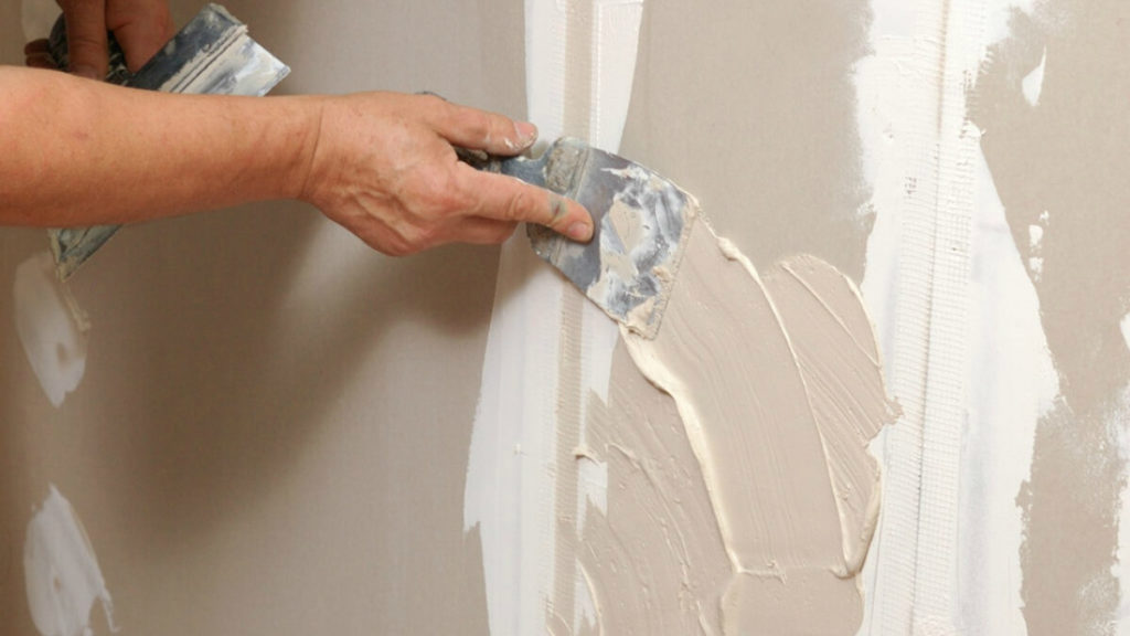 Штукатурка стен: необходимые  инструменты