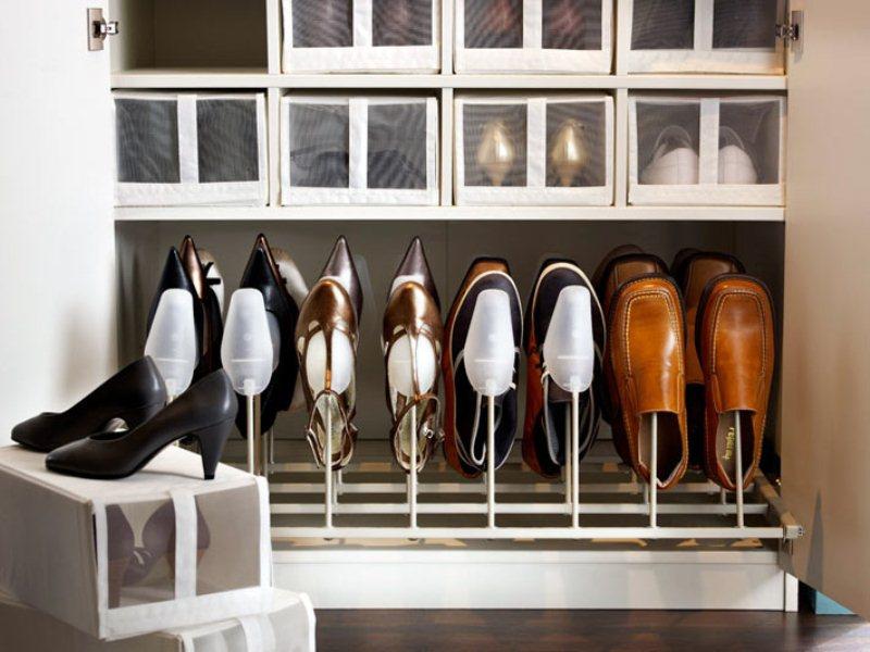 Как обустроить обувной отдел в гардеробной