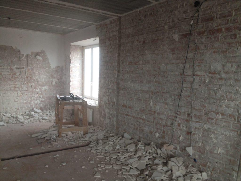 Старый дом: методы выравнивания стен
