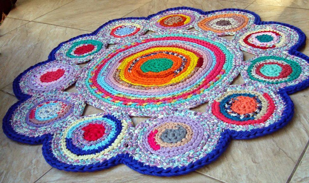 яркий лоскутный коврик
