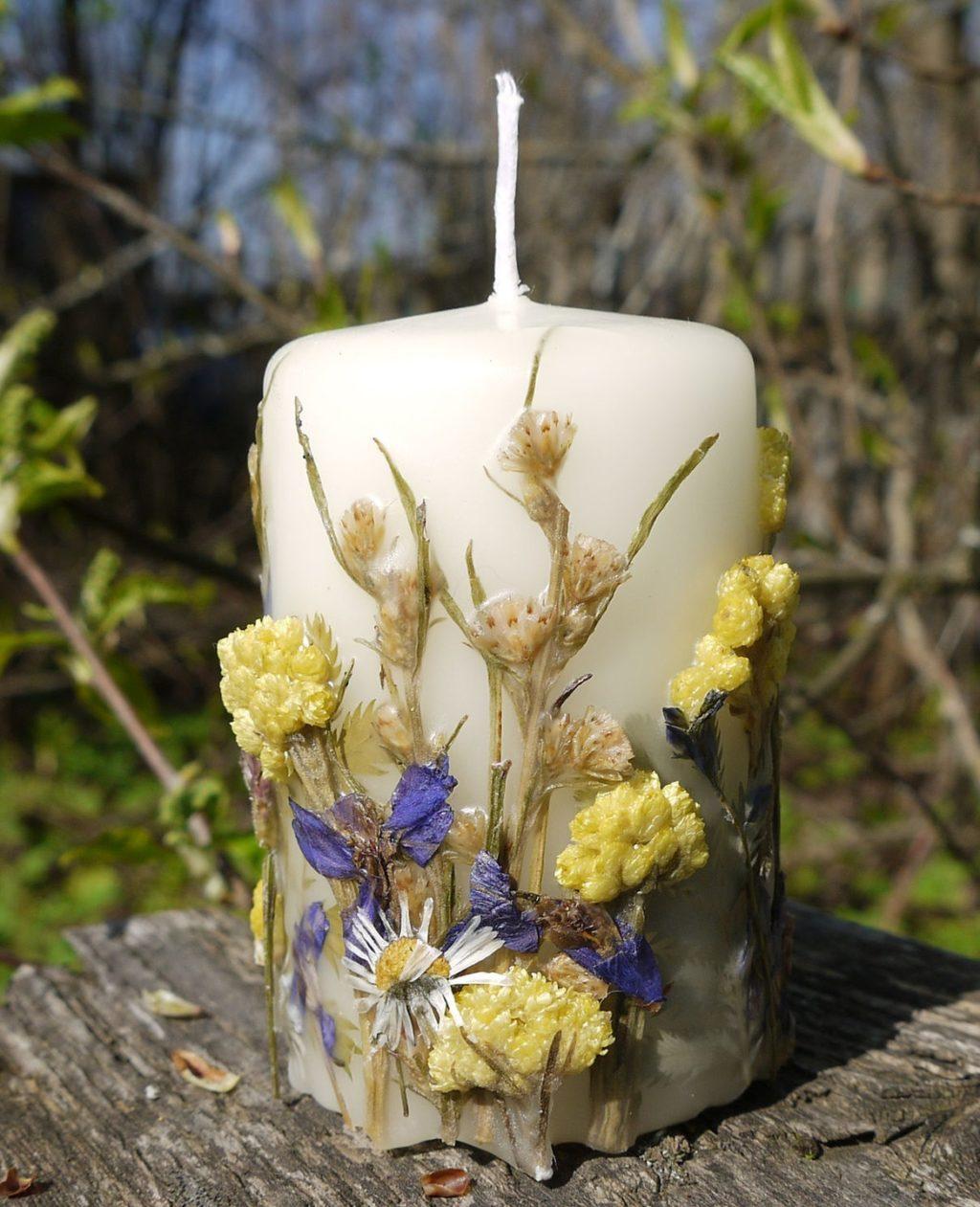 свеча из сухоцветов