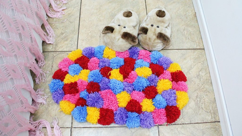 Помпончики для коврика