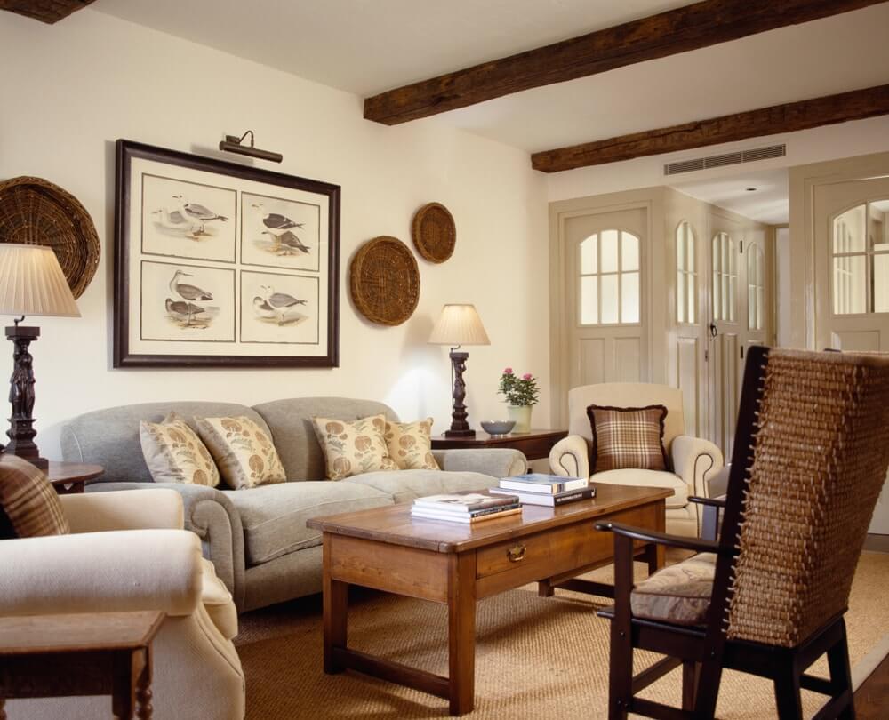 Классический интерьер деревянного дома
