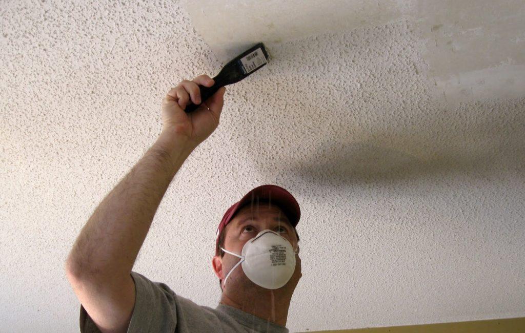 Поклеить потолочную плитку