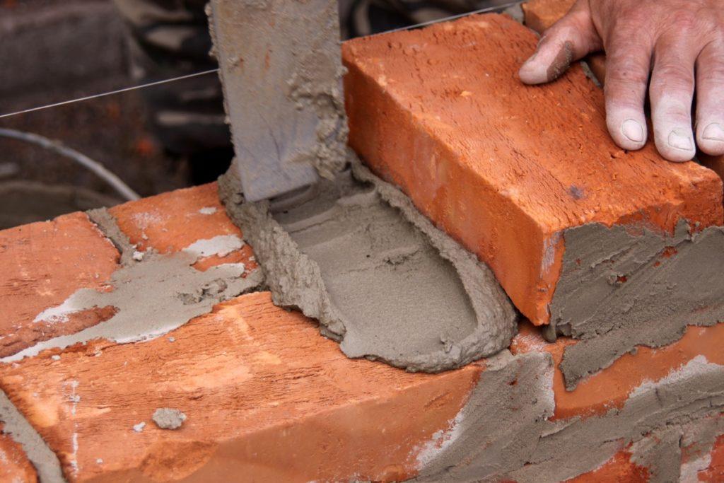 Хорошо цементный раствор между кирпичами керамзитобетон