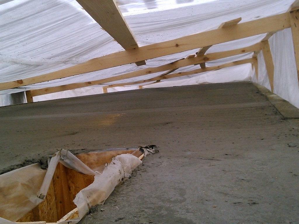 Зимнее укрытие бетона